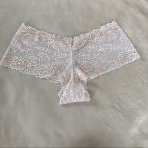 3 for $20 NWOT Ambrielle Panty White/Peach L